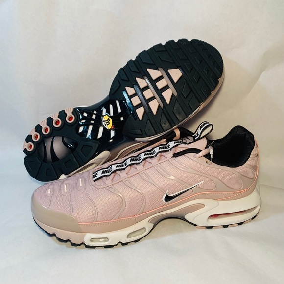 NIKE AIR MAX PLUS TN SE TAPED PARTICLE ROSE/WHITE NWT